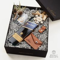 Johnnie Walker Blue Label and Leather Gift Set Thumbnail
